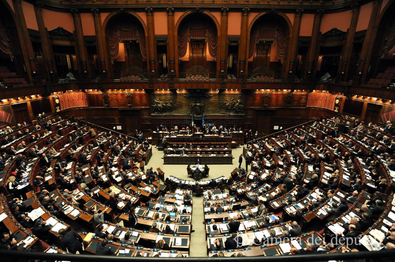 Risultati immagini per foto dell'aula parlamentare