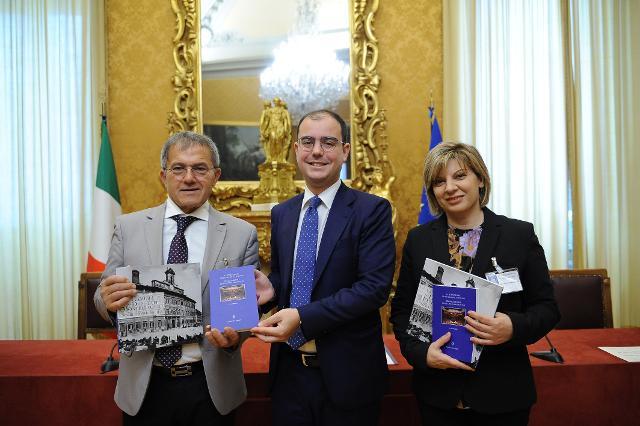 Icontro degli studenti con il deputato Alessandro Amitrano, Segretario dell'Ufficio di Presidenza della Camera dei deputati