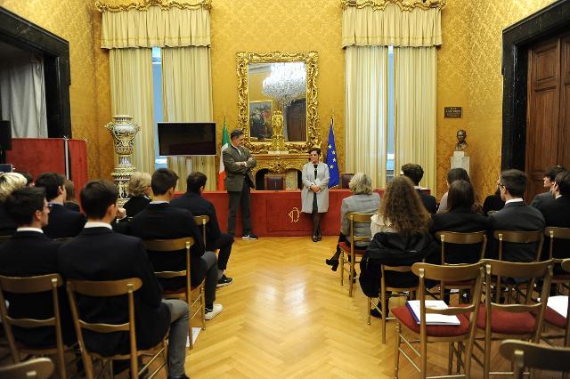 """Incontro-dibattito degli studenti con il deputato Guido Germano Pettarin e la deputata Aurelia Bubisutti sul tema """"Riflessioni sulla libertà di parola"""""""