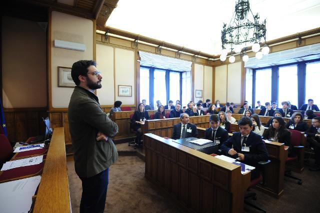 Incontro degli studenti con il deputato Francesco D'Uva, Questore della Camera dei deputati