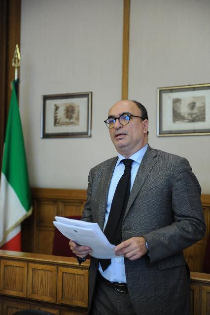 """Incontro-dibattito degli studenti con il dott. Antonio Pagano sul tema """"l'alternanza scuola-lavoro"""""""