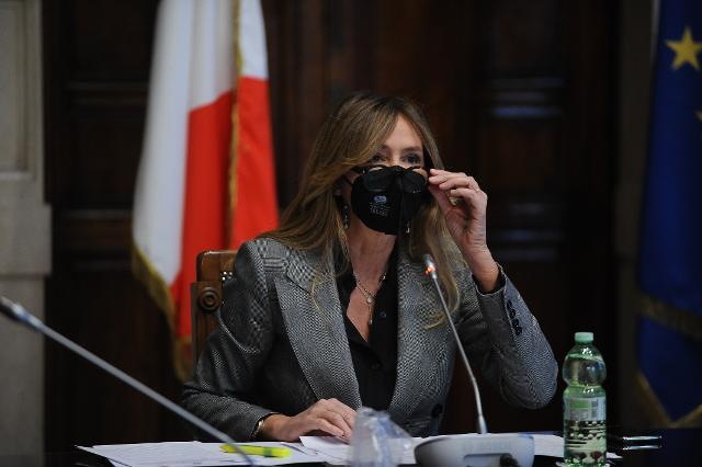 Stefania Prestigiacomo, Vicepresidente della Commissione Bilancio, risponde agli studenti